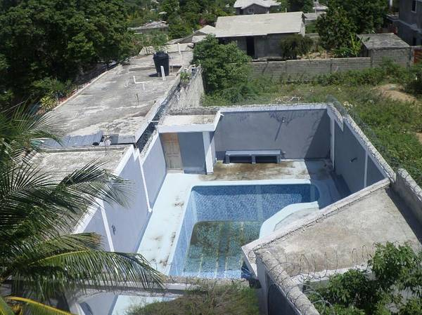 9 Beds 12 Baths Home Property for sale Pernier Haiti Maison a Vendre