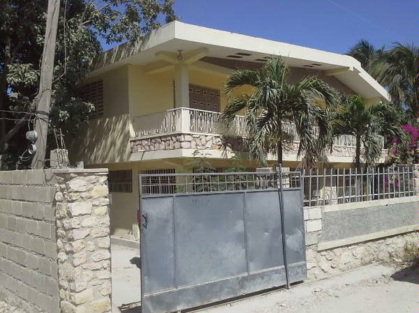 Models Cuisines : Beds baths house for sale delmas haiti étage